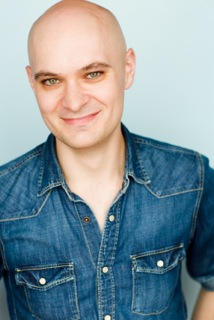 Lee Rayment headshot